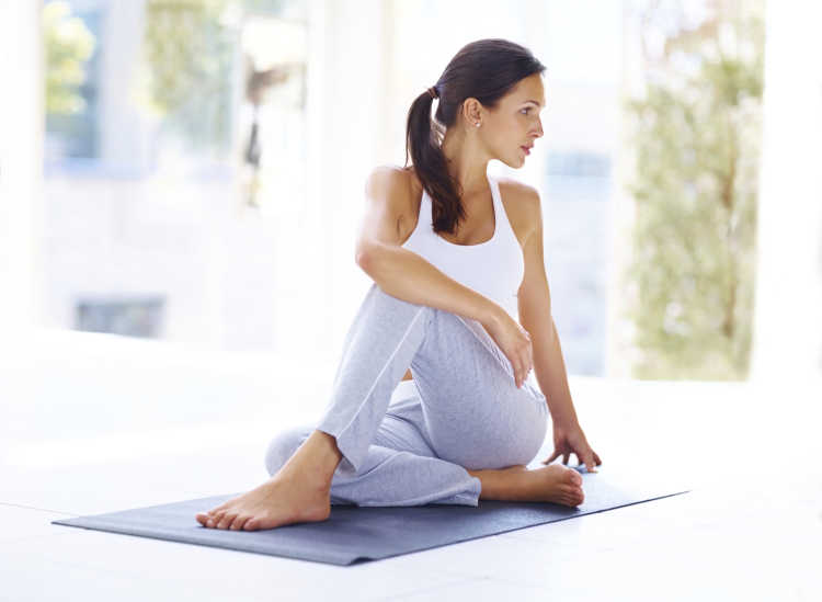 practicar yoga a diario