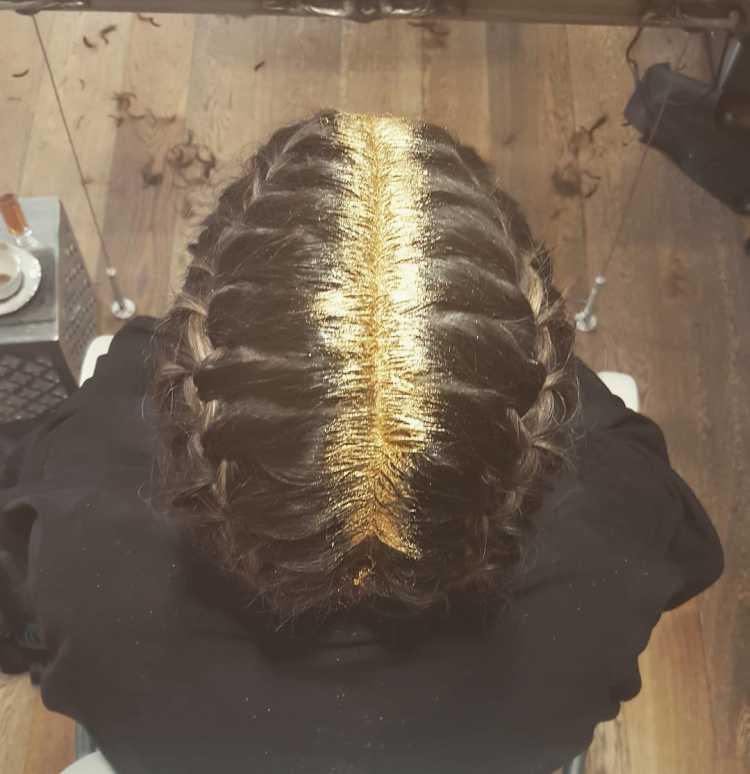 purpurina para el cabello