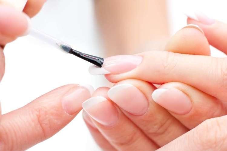 capa base para uñas