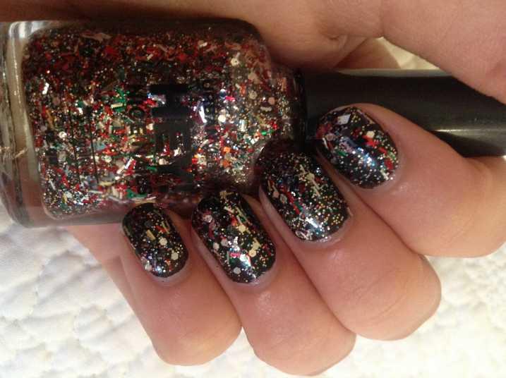 diseños uñas glitter