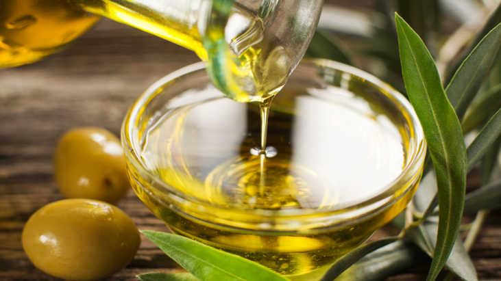 aceite de oliva para dar brillo al pelo