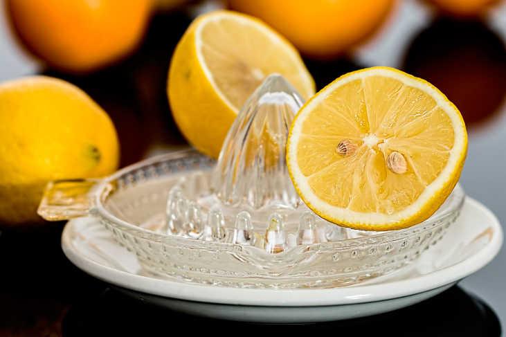 limon para dar brillo al pelo