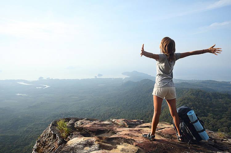 mejores destinos para viajar sola por primera vez