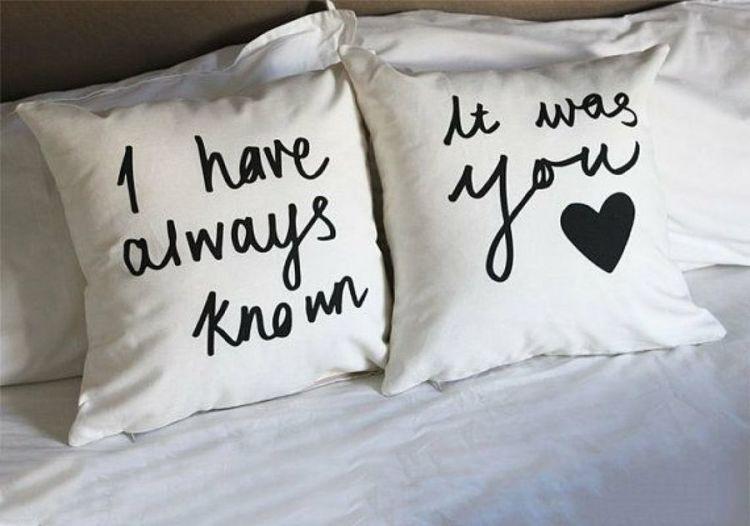 almohada para san valentin