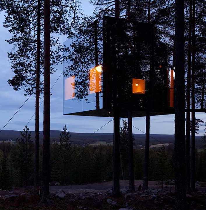 hotel mirrorcube tree house