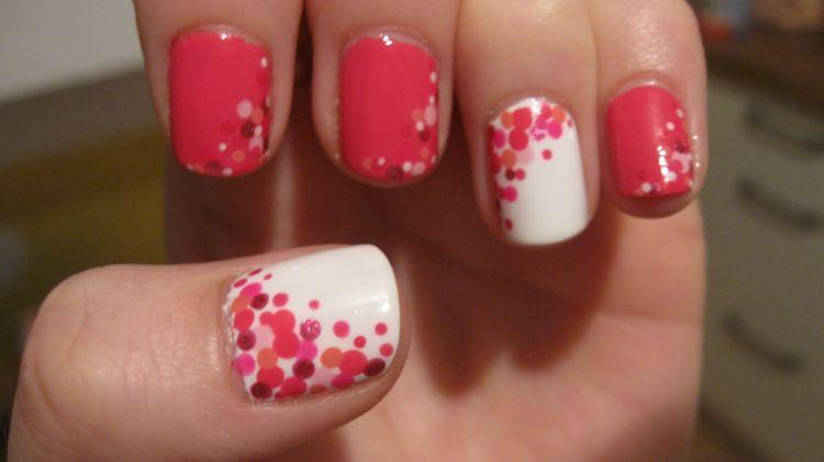 nails arts puntos rosas