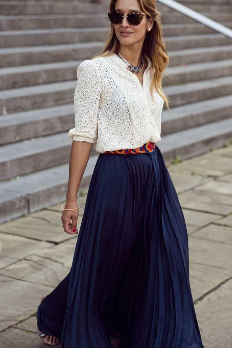 camisa blanca con maxi falda