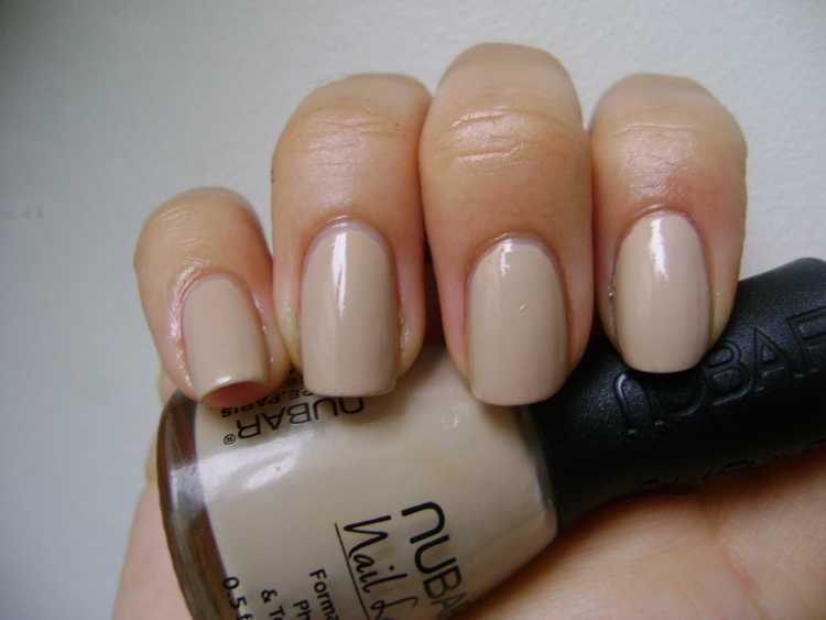 color esmalte natural