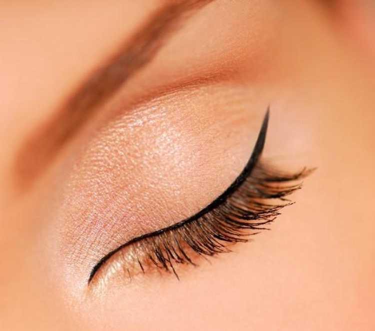 delinear ojos trazos cortos