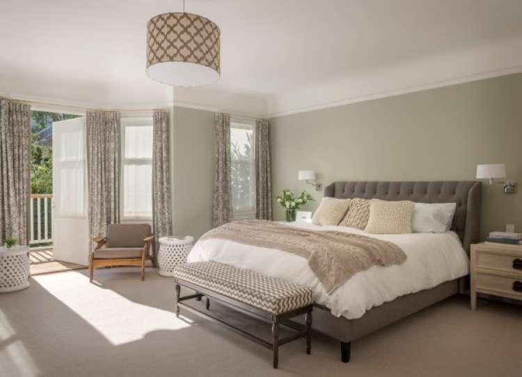 dormitorio gris y beige