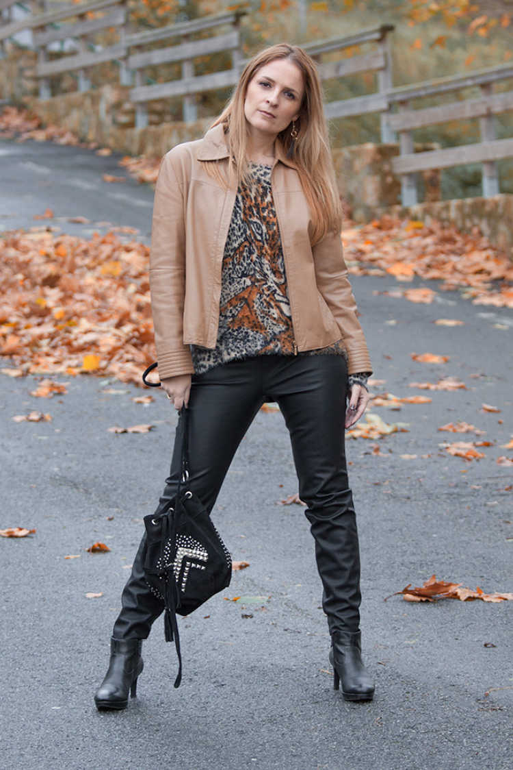 look chaqueta camel
