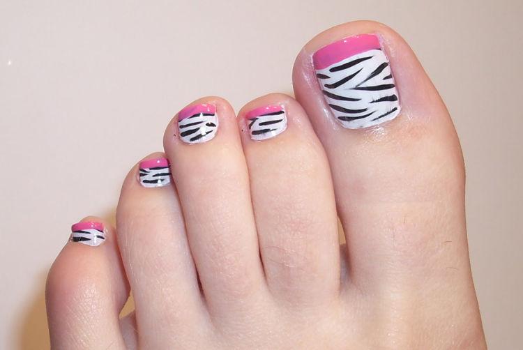 diseño uñas pies animal print