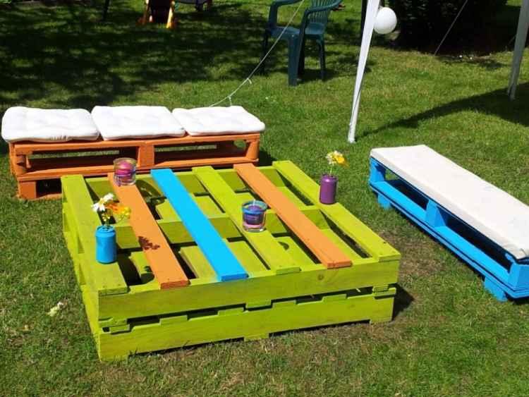 renovar muebles con colores brillantes
