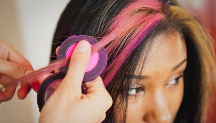 teñir pelo con tiza y plancha