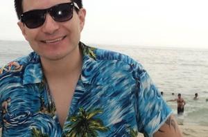 Felipe avello en la playa