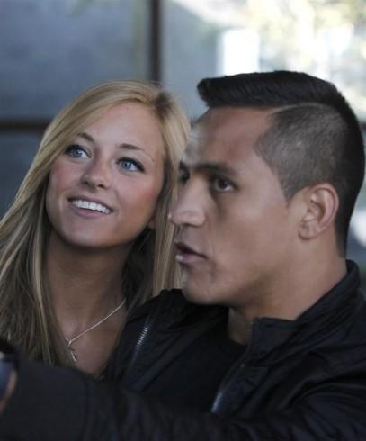 Laia Grassi  y Alexis Sanchez 1