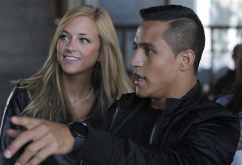 Laia Grassi  y Alexis Sanchez 6