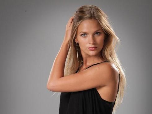 Alicia rodriguez maria gracia omegna joven y alocada 2012 - 2 part 10