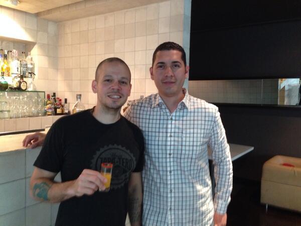 """Residente y el fan se reunieron y tomaron juntos tequila: """"Gracias ..."""