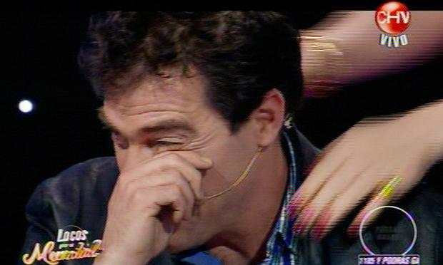 Álvaro Escobar llora en pantalla