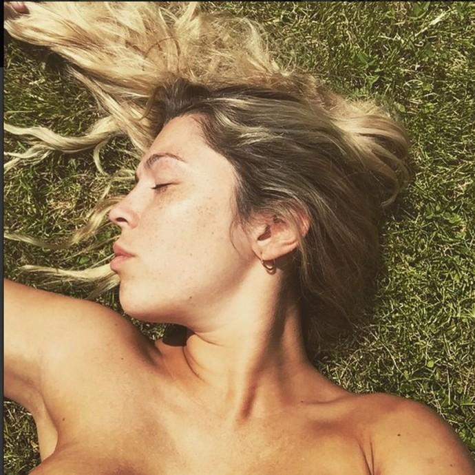 Chica publica fotos desnudas en myspace