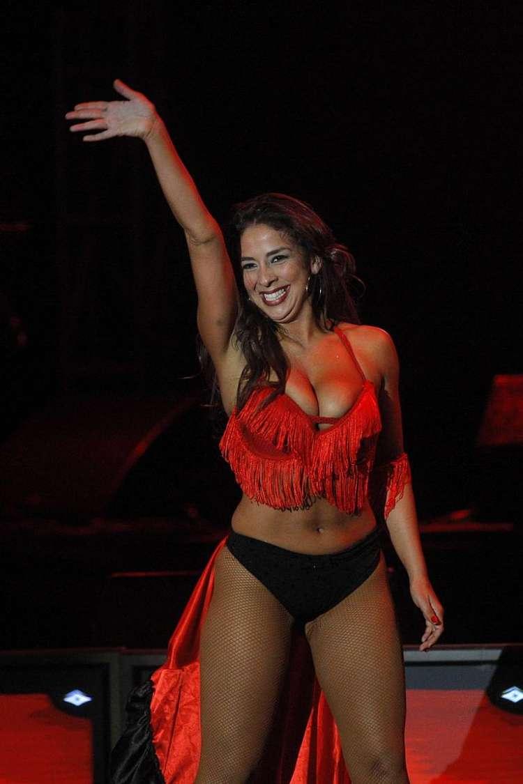 Carolina Oliva Nude Photos 38
