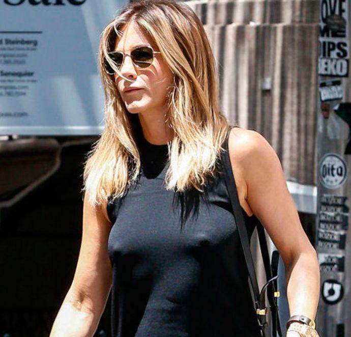 Jennifer aniston en la calle sin ropa interior for Descuidos sin ropa interior