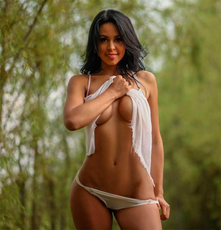claudia acosta bikini
