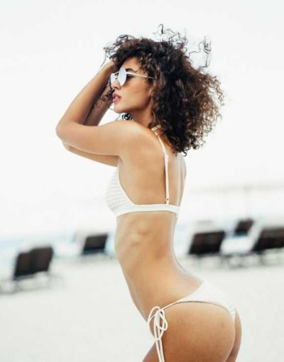 mariana downing bikini