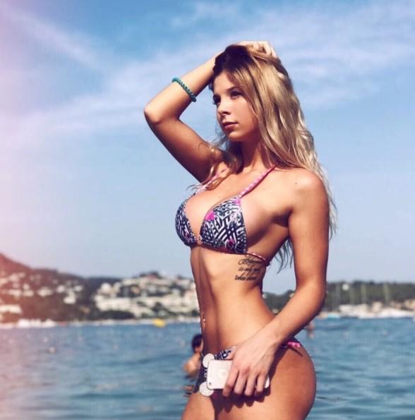 romina malaspina bikini 2