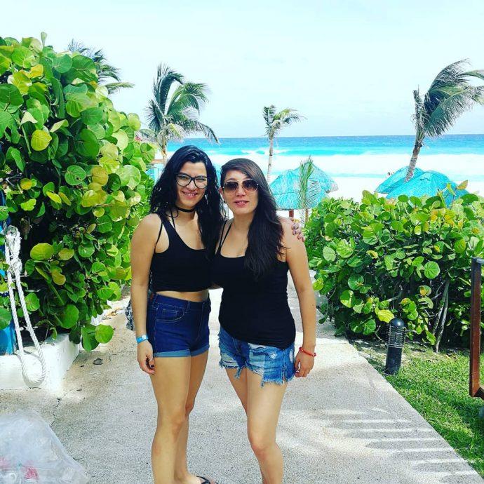 Hermana de Karla Melo publica romántica foto junto a su