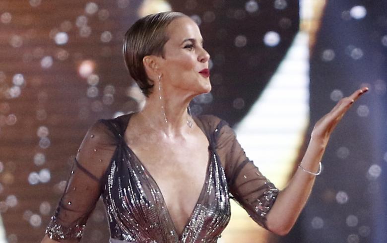 Javiera Suárez abrió la gala de Viña con espectacular vestido ...