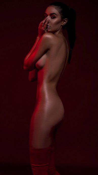 Steffy Méndez Causa Impacto En Sesión De Fotos Completamente Desnuda