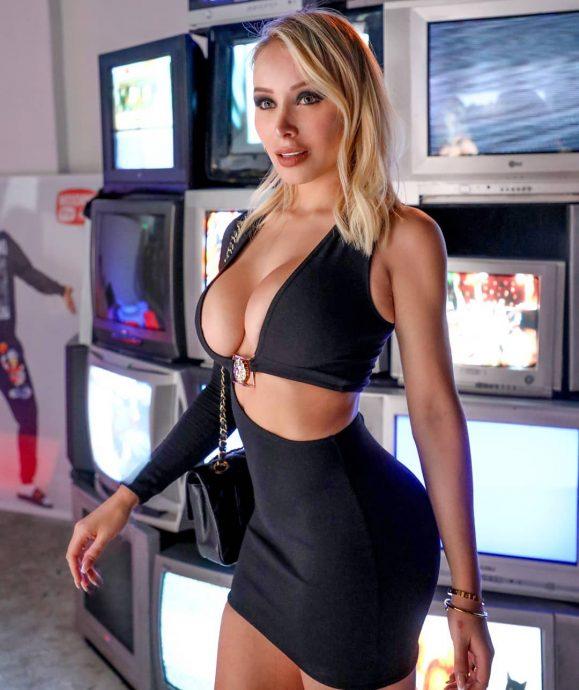 526088c612e4 Daniella Chávez celebró importante logro en redes con un destape de ...