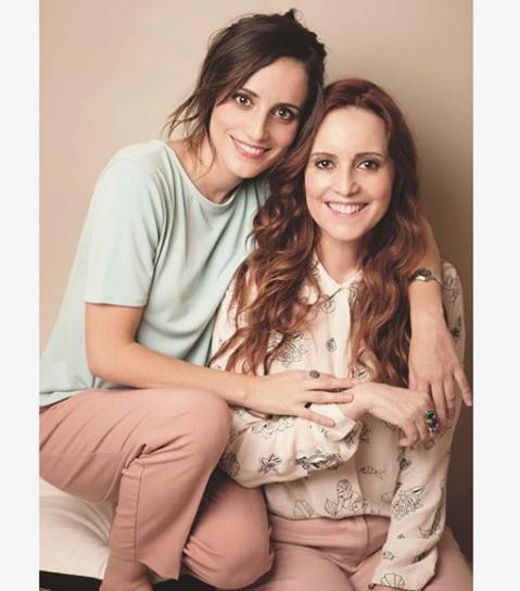 ¡Parecen hermanas! Actriz Camila Hirane sorprende con foto junto a su mamá